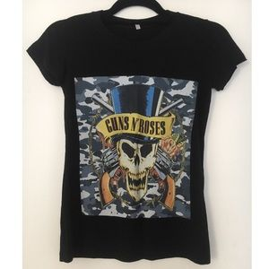 Short-sleeved graphic tee